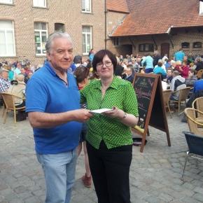 Open VLD schenkt opbrengst fietstocht aan Kom Opwijk TegenKanker