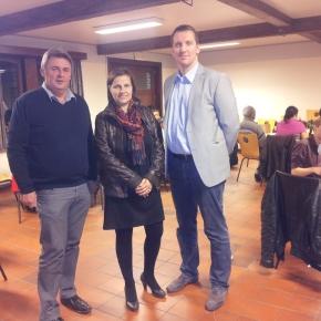 OCMW biedt cursisten van Nederlandse lessen kerstdrinkaan